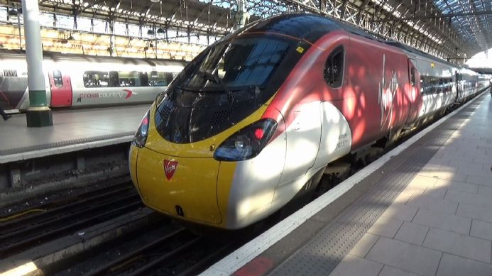 VT03 London (Euston) to Manchester Piccadilly via Crewe